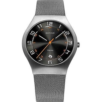 Bering horloges mens watch titanium 11937-007