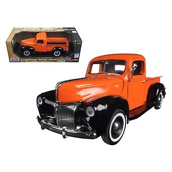 1940 Ford Pickup Truck Orange 'Timeless Classics' 1/18 Diecast Model par Motormax