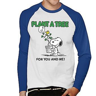 Peanuts Snoopy Plant A Tree Men's Baseball Long Sleeved T-Shirt