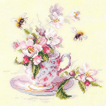 Magic Needle Cross Stitch Kit: Cup en Apple Blossom