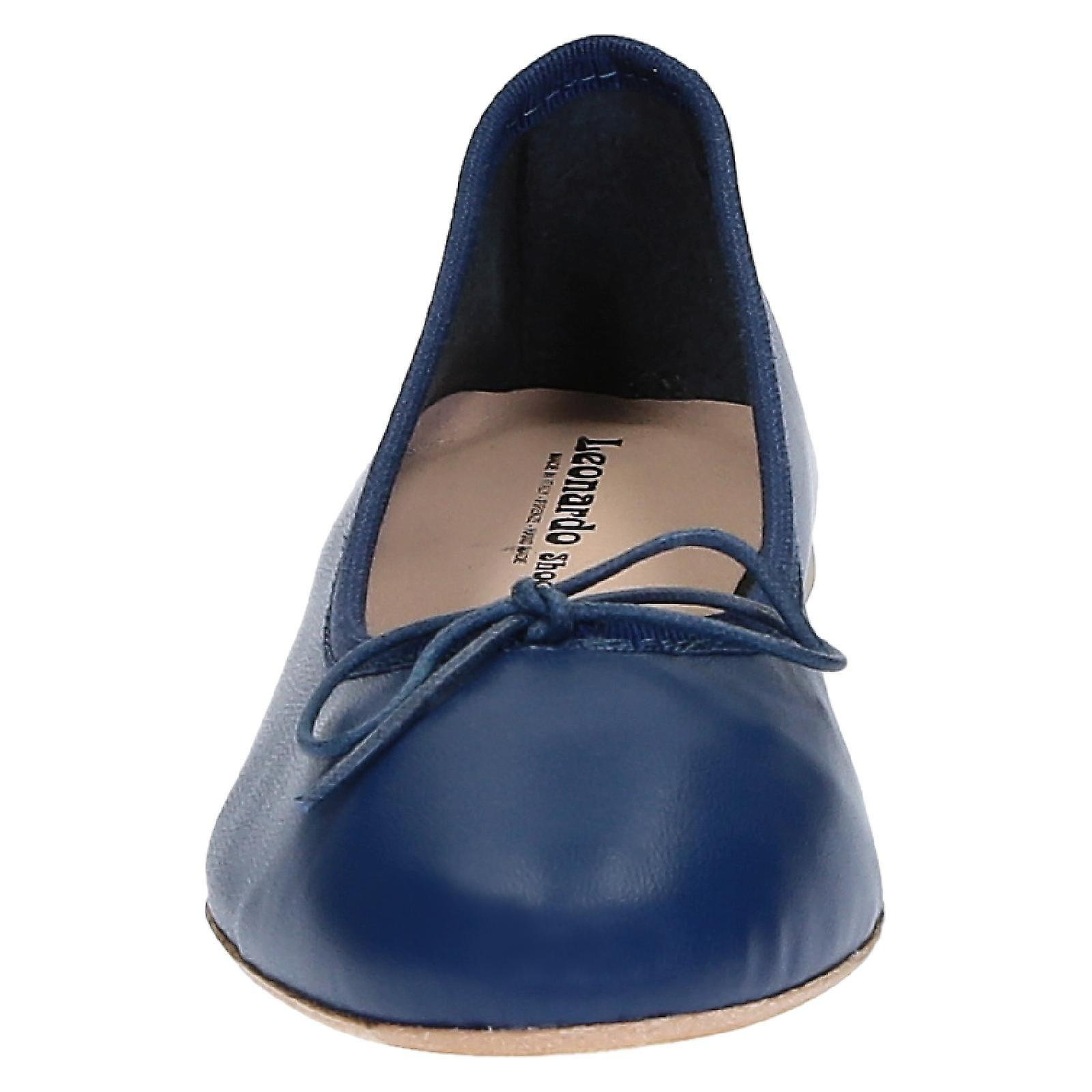 Handmade flats ballets shoes in blue soft leather
