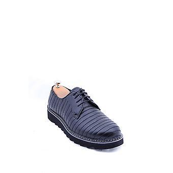حذاء أسود وحيد من الجلد إيفا | wessi
