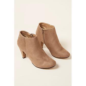 Low boots Beige Mustang Women 219292