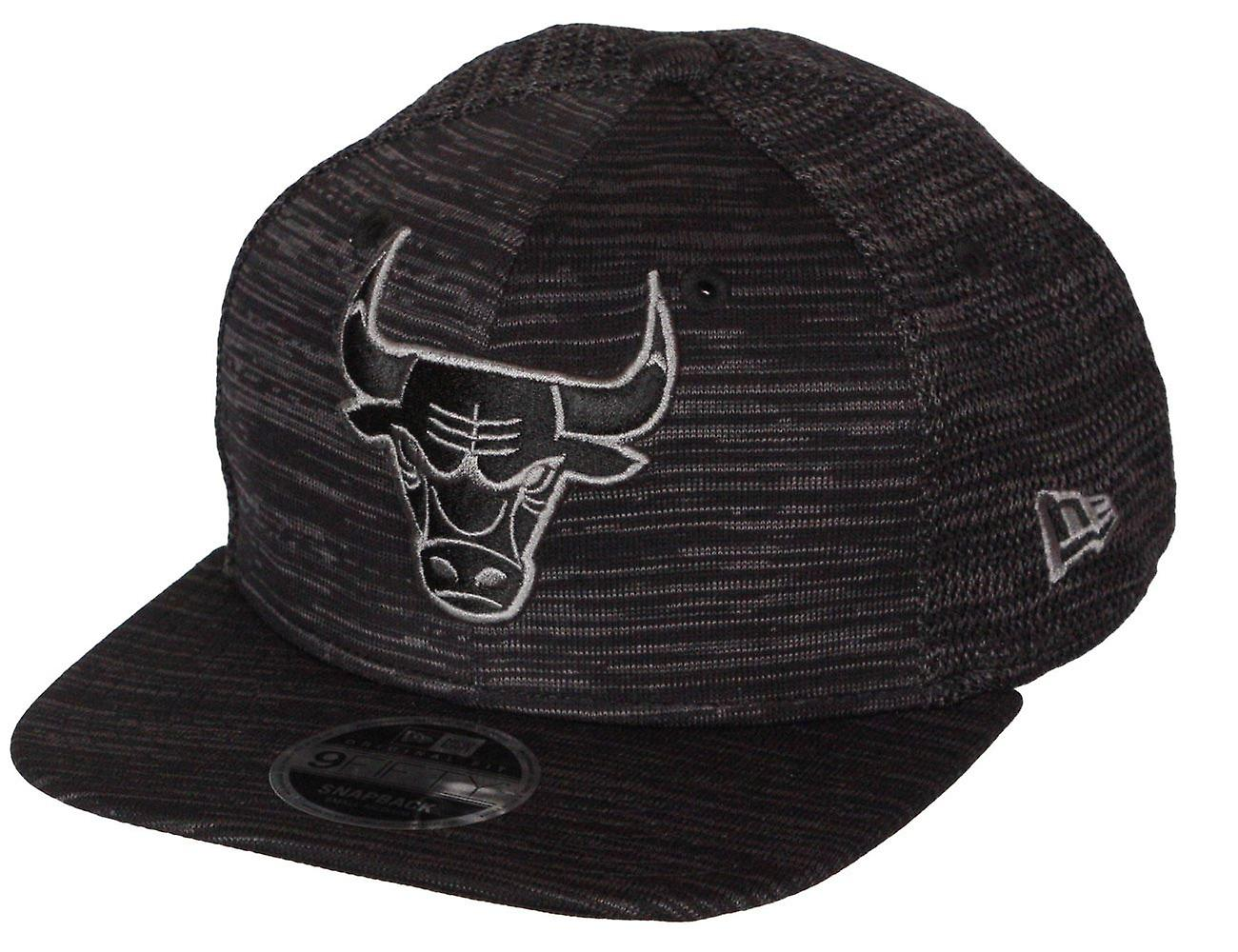 New Era Engineered Fit 9Forty Snapback Cap ~ Chicago Bulls