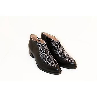 Tatreez Bootie - Black And Gray