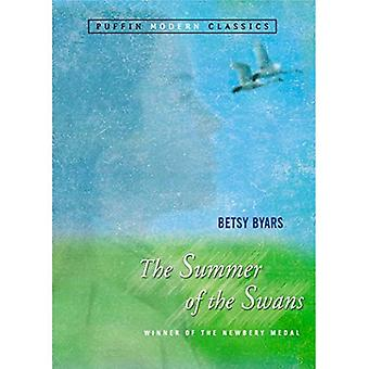 The Summer of the Swans (Puffin Classics)