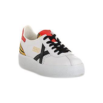 Munich 038 barru sky sneakers fashion