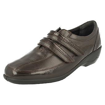 Veludo de sapatos todos os dias de remadores de senhoras