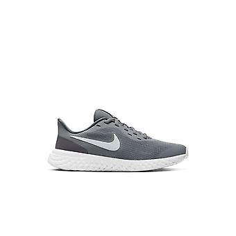 Nike Revolution 5 GS BQ5671004 käynnissä ympäri vuoden lasten kengät