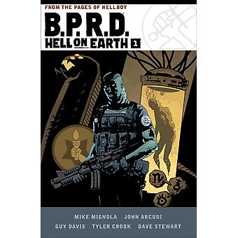 B.p.r.d Hell On Earth Volume 1 by Mike Mignola