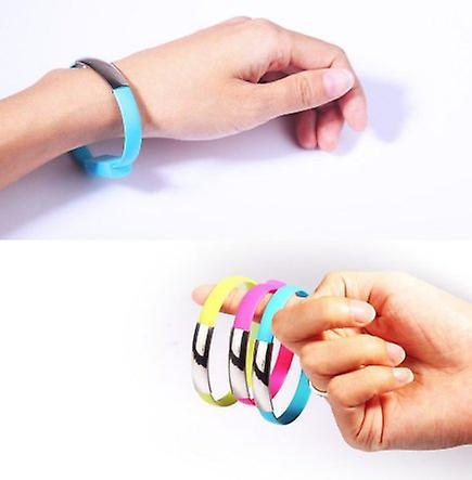 Armband med inbyggd Micro-USB kabel