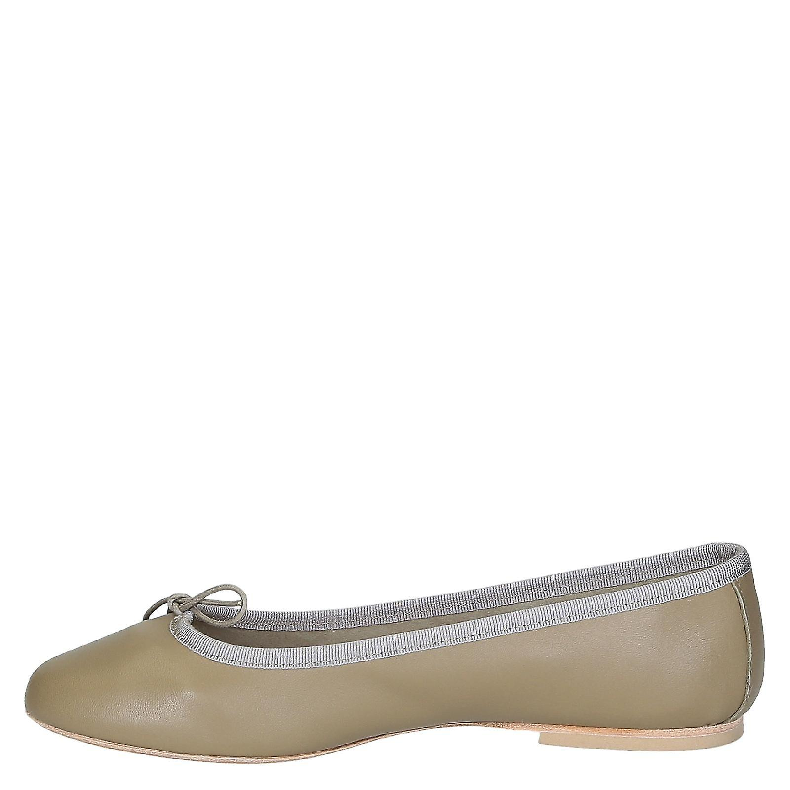 Beige soft leather ballet flats ballerinas shoes