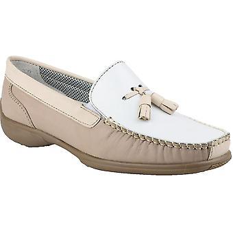 كوتسوولد السيدات بيدليستوني الانزلاق على الجلود حذاء بدون كعب الأحذية براون
