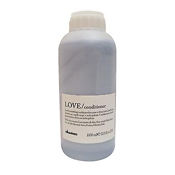 Davines Love Smoothing Conditioner for Coarse or Frizzy Hair 33.8 oz