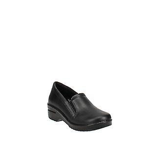 Easy Works By Easy Street   Leeza Slip Resistant Clogs
