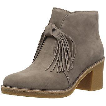 UGG Women's Corin Boot