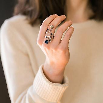Orbit Ring mit natürlichen Steinen