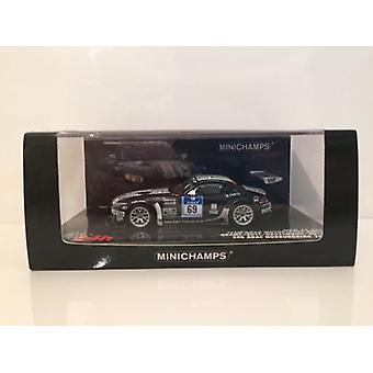 Minichamps 437102069 BMW Z4 GT3 Team Dorr Motorsport GMBH ADAC 2010