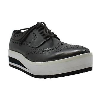 Kenneth Cole New York Roberta Patent Leather Platform Oxford Sneaker