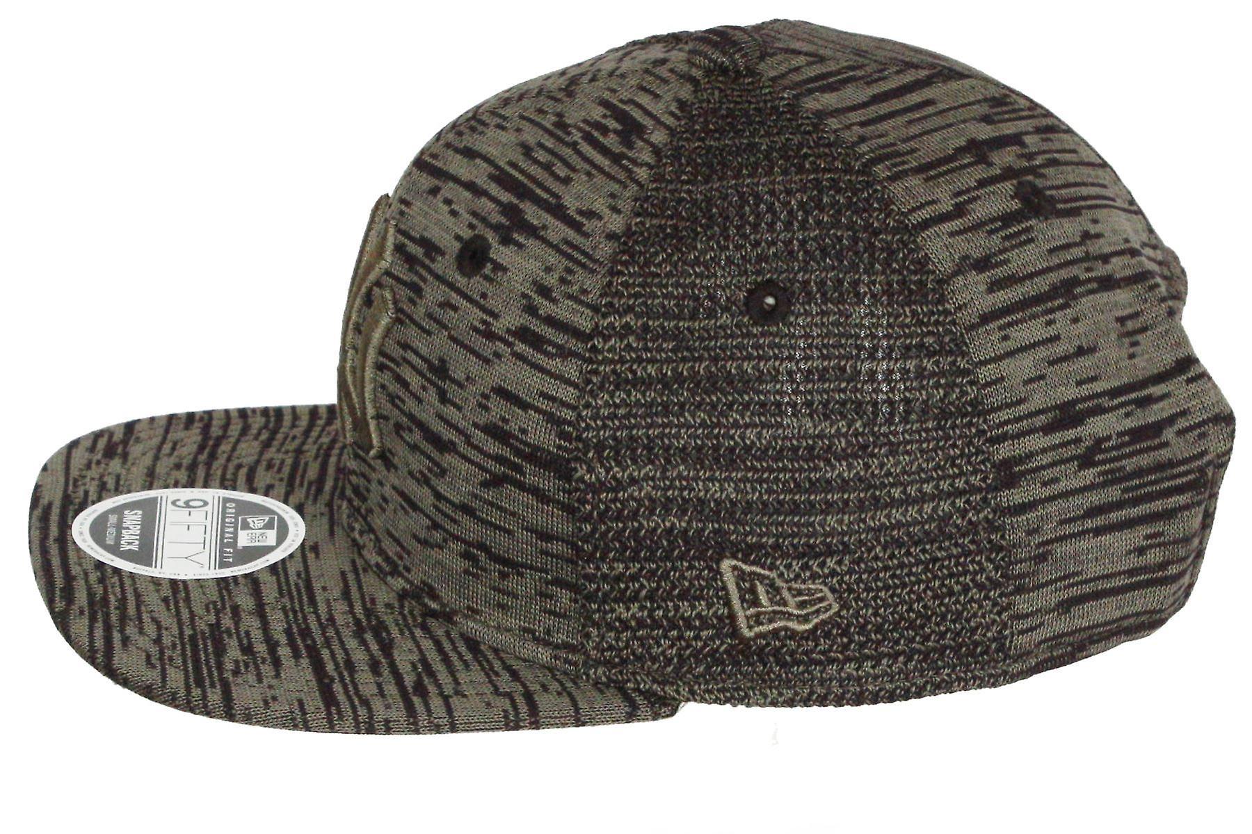 New Era Adjustable Engineered Fit 9Fifty Cap ~ New York Yankees
