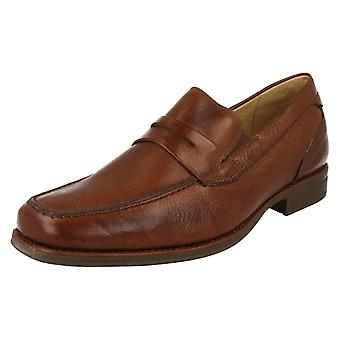 Mens Anatomic & Co formális SLIP on cipők Barbosa