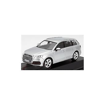IXO Models Ixo Models Audi Q7 Foil Silver 2015 (Spark) 1:43 Dealership Model