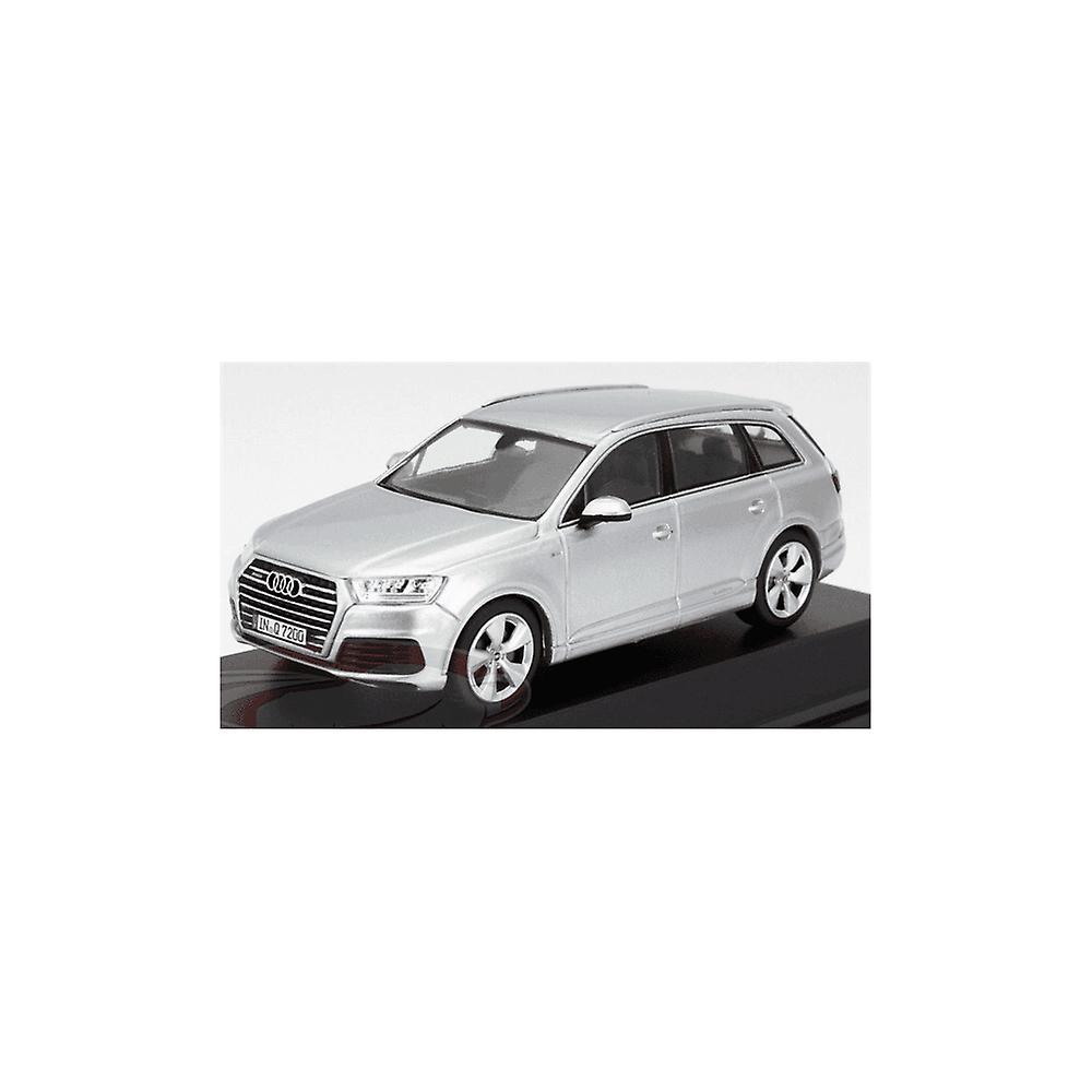 IXO Models Ixo Models Audi Q7 Foil Silver 2015 (Spark) 1:43 Dealership Model