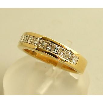 18 carat yellow gold ring with diamonds
