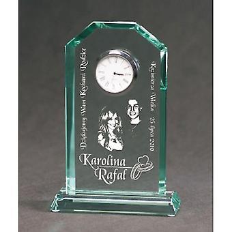 Trofeo de vidrio grabado con maleta