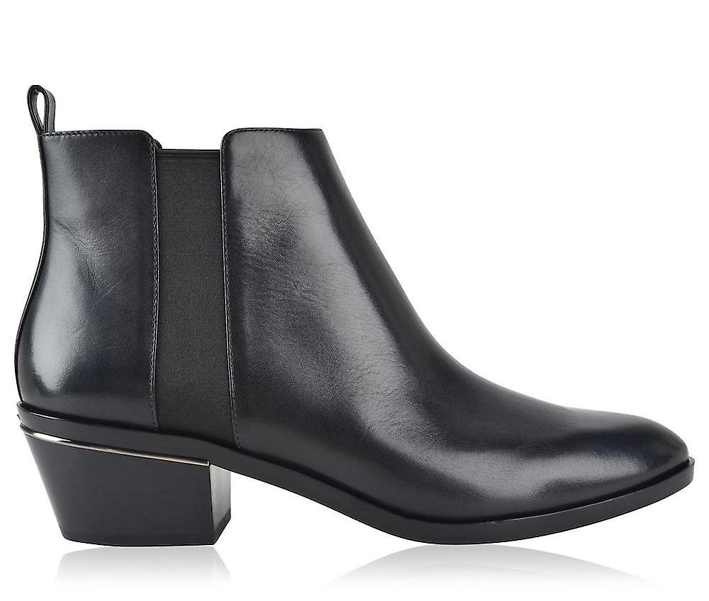 Crosby Chelsea Boots