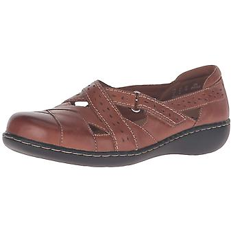 Clarks Womens Ashland Spin Leather Closed Toe Mary Jane Flats