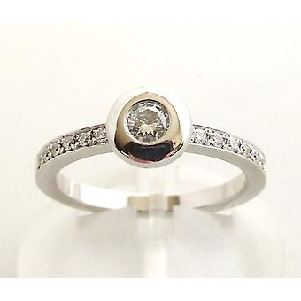 White gold ring with diamonds 0.30 ct.