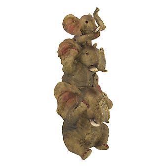 コミカルの重なっていない悪象トリオの像