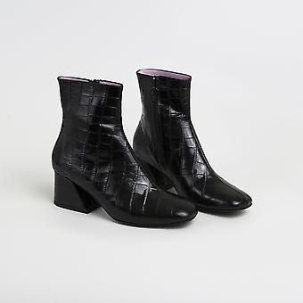 || Sample Sale || Doric - Black Leather Square Toe Boots
