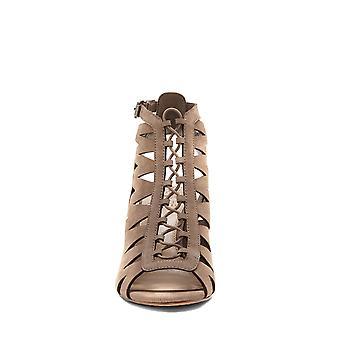 فينس Camuto النسائية الجلدية أليترا زقزقة إصبع القدم الكاحل عارضة حزام الصنادل