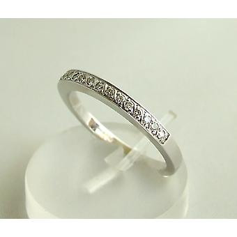 White gold ring with 15 diamonds