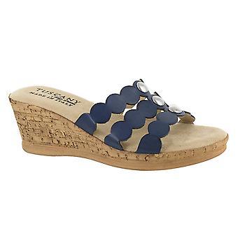 Easy Street Women's Torina Wedge Sandal