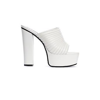 Givenchy Be3044e0n5130 Damen's weiße Leder Hausschuhe