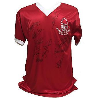 نوتنغهام فوريست FC 1979 نهائي كأس الامم الاوروبية توقيع قميص