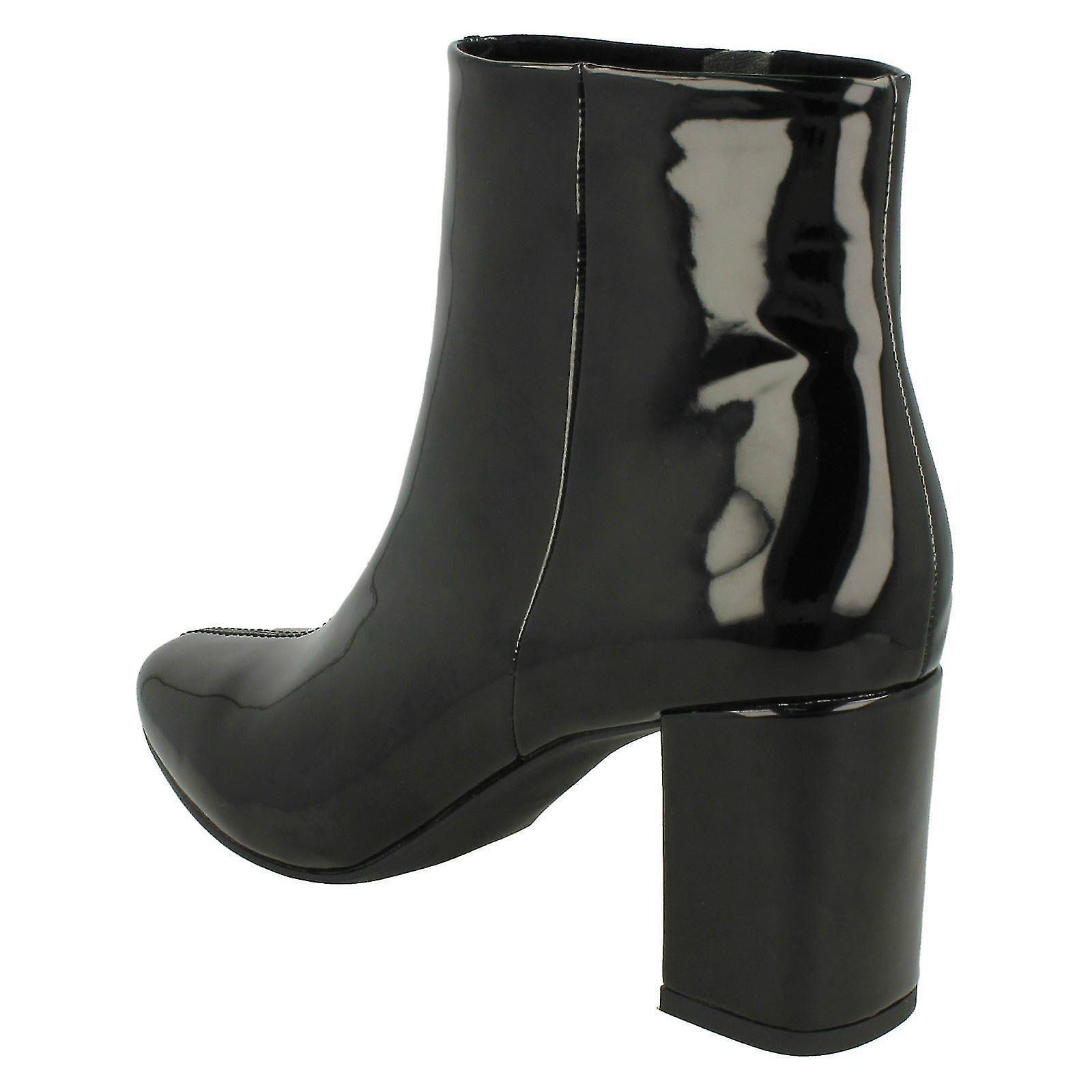 Ladies Spot On Blocked Heel Ankle Boots F50596