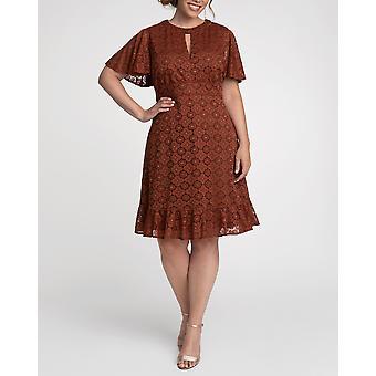 Kiyonna   Middleton Lace Dress