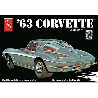 Amt 1:25 Scale 1963 Chevy Corvette Model Car