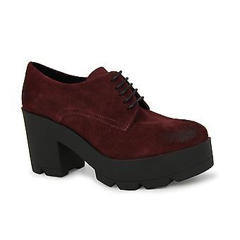 أحذية ليبرتي الأربطة و