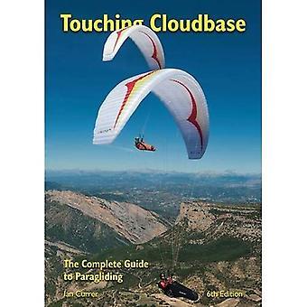 Dotykając Cloudbase: Kompletny przewodnik do paralotniarstwa