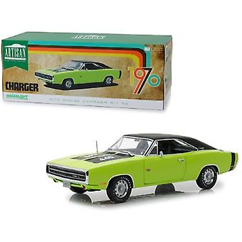 1970 Dodge Charger R/T SE 440 Sublime Green con Top Negro y Rayas Negras 1/18 Diecast Modelo Car por Greenlight