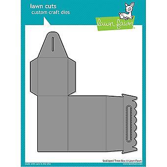 Lawn Cuts Custom Craft Die-Scalloped Treat Box
