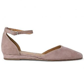 Flat Shoe With Tamaris Strap In Suede Dove
