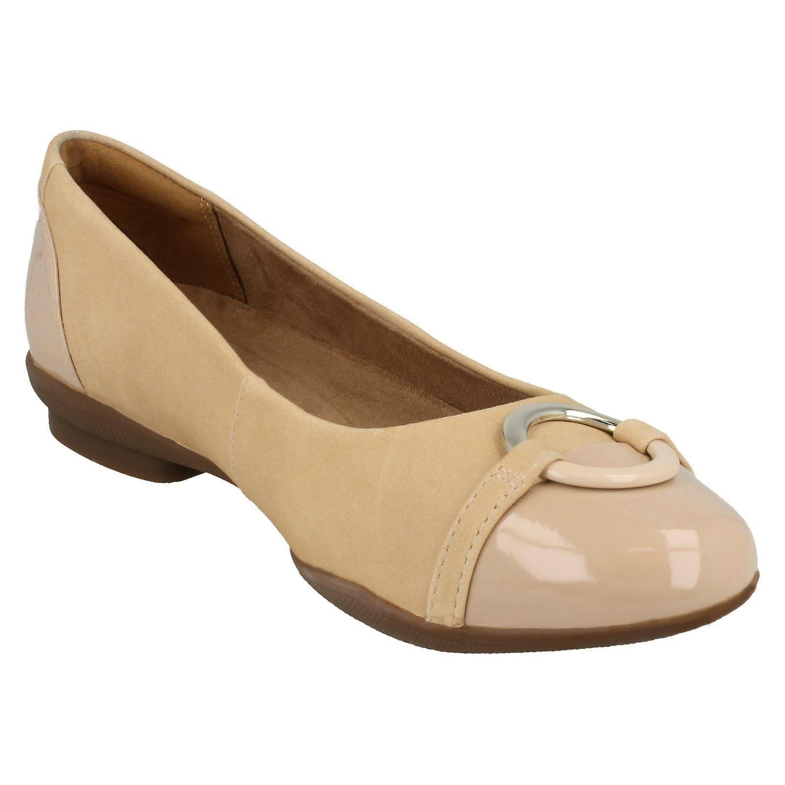 Ladies Clarks Ballerina Flatt Med Ring Detalj Neenah Vine - Naken Kombi Uk Størrelse 7e Eu 41 Usa 9.5w