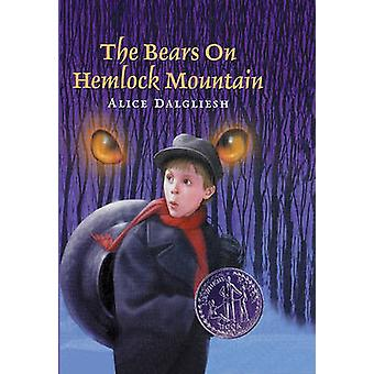 The Bears on Hemlock Mountain (3rd) by Alice Dalgliesh - 978083359876