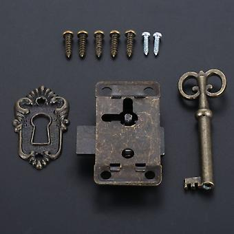 Antiikkinen rautaovi lukko laatikko, korut puulaatikkokaappi, vaatekaappi, kaappi,